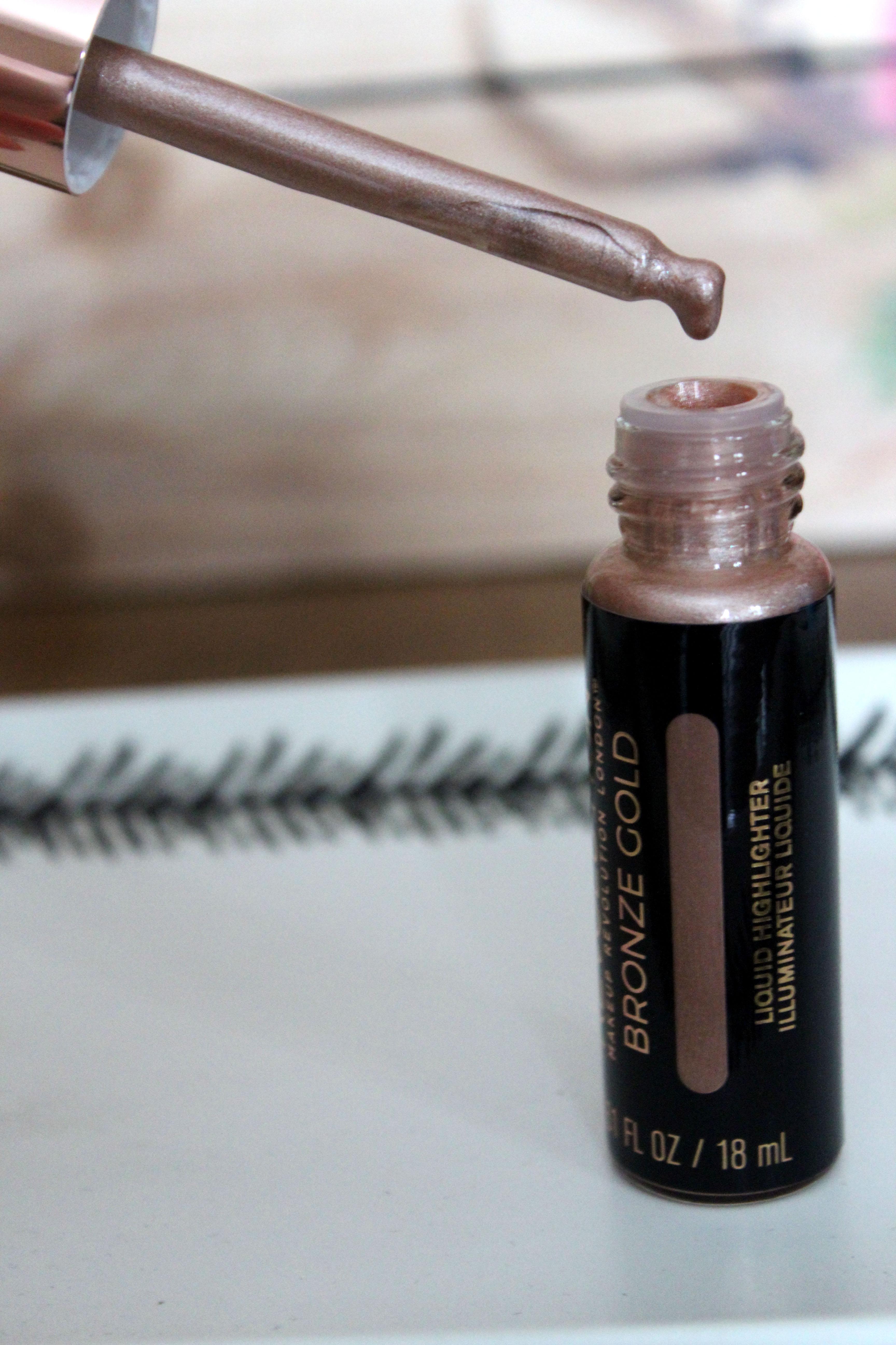 Makeup Revolution Liquid Highlighter Bronze Gold