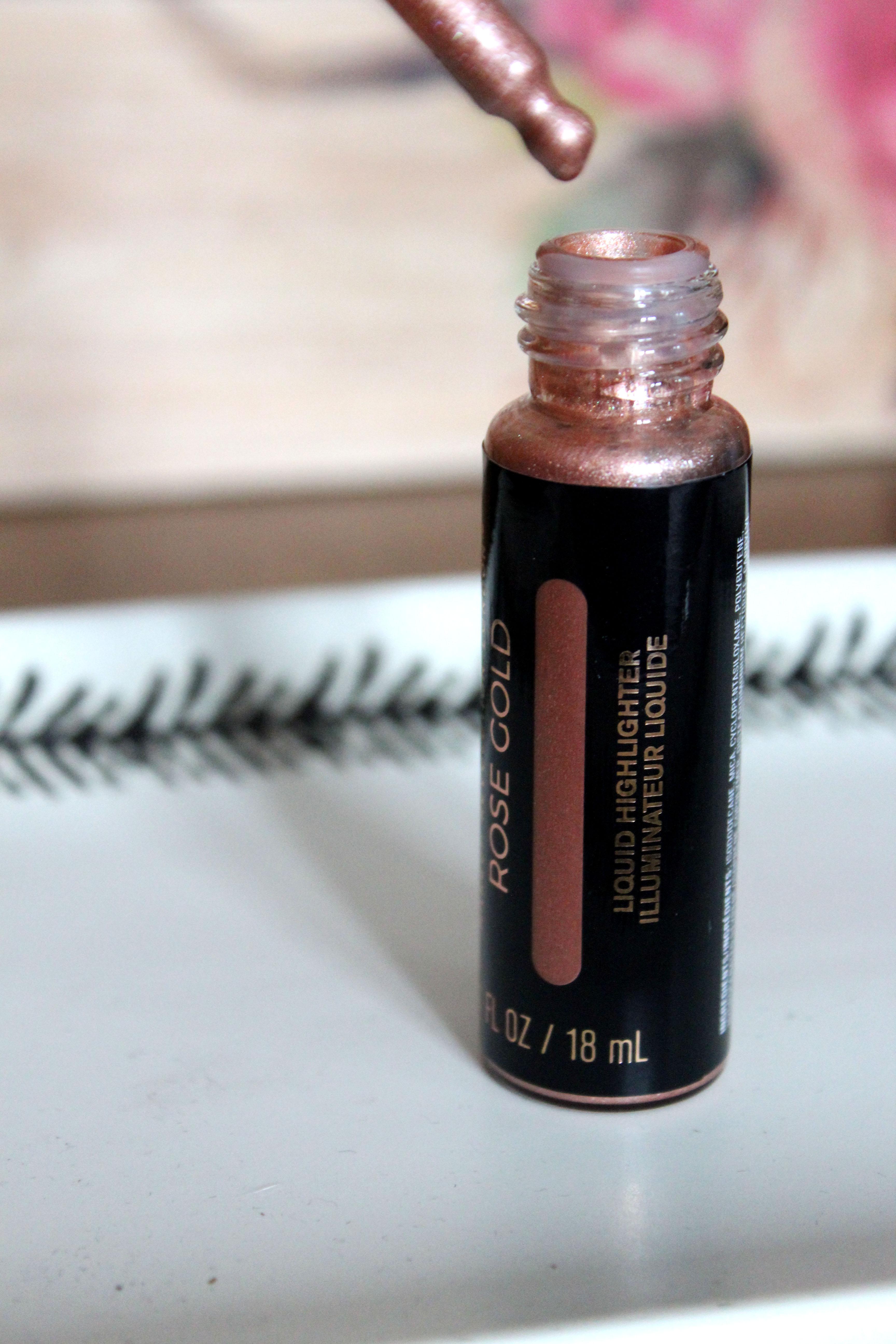 Makeup Revolution Liquid Highlighter Rose Gold