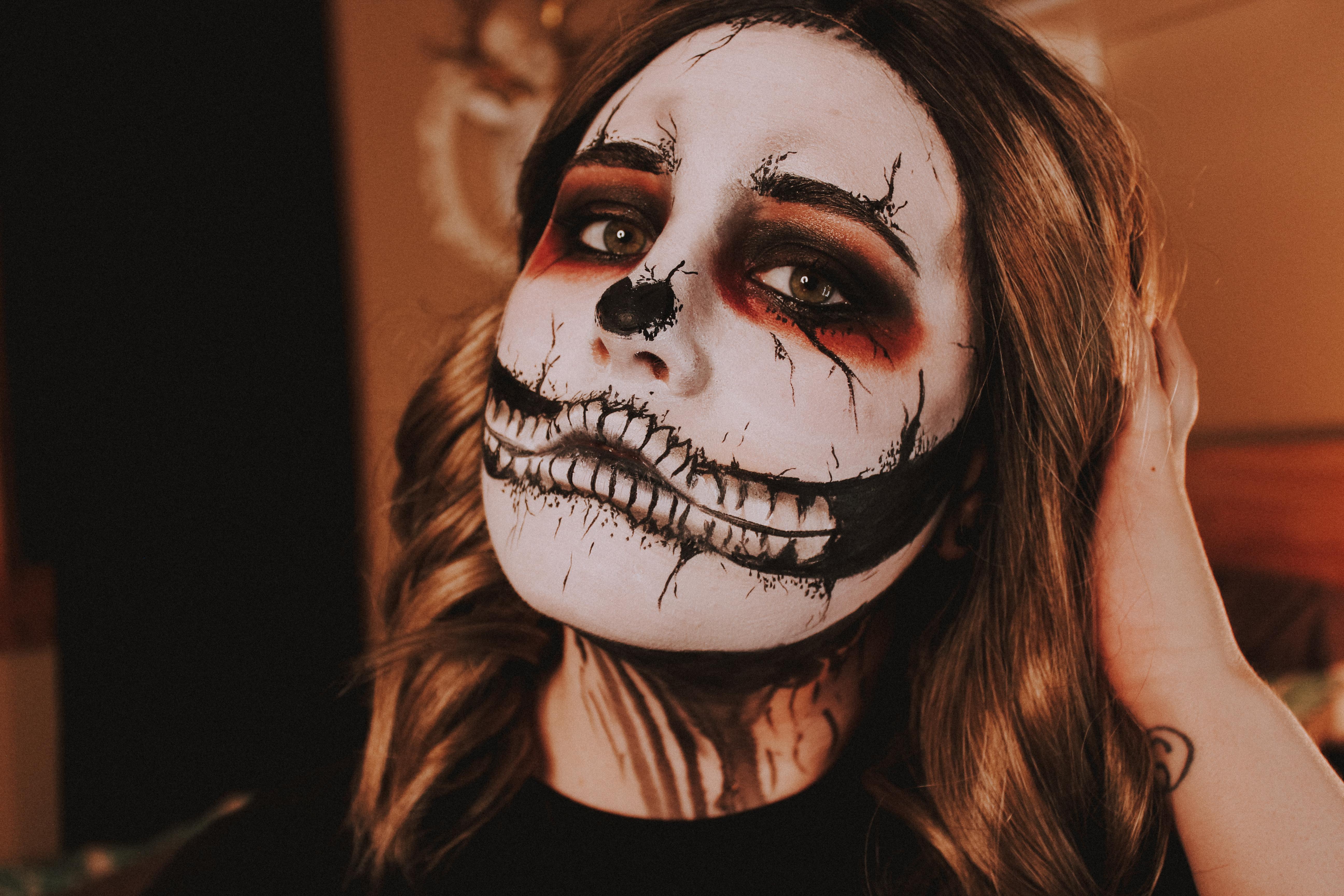 Grunge Skull Makeup 5
